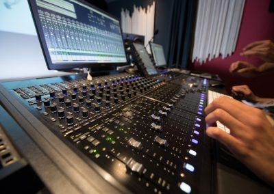 Console auditorium Studios Alhambra 2